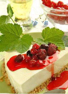 Pastel de queso y frutos rojos