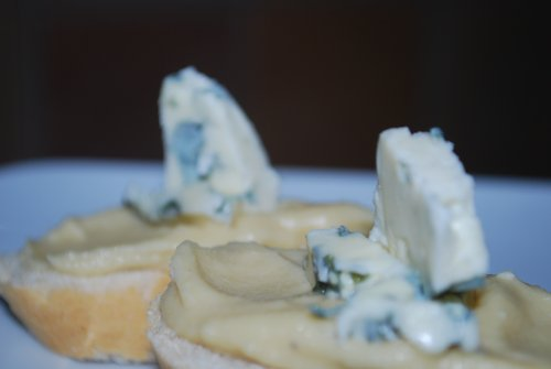 Hummus de queso azul