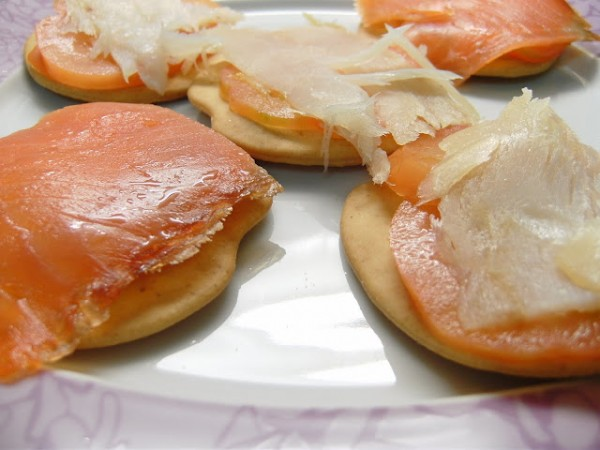 Montadito de salmón ahumado