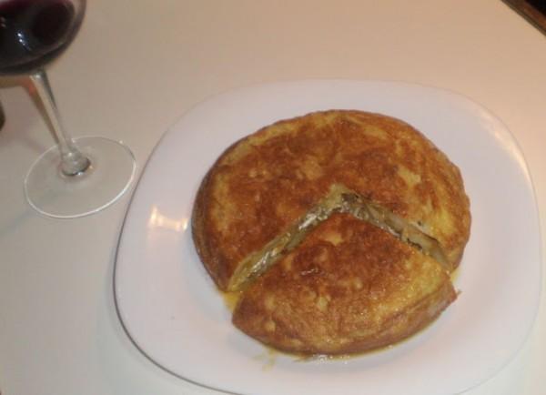 Tortilla rellena de jamón y queso