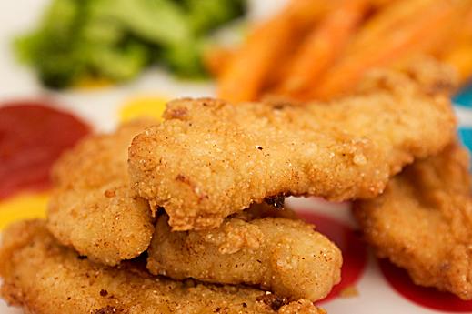 Pollo rebozado frito y esponjoso