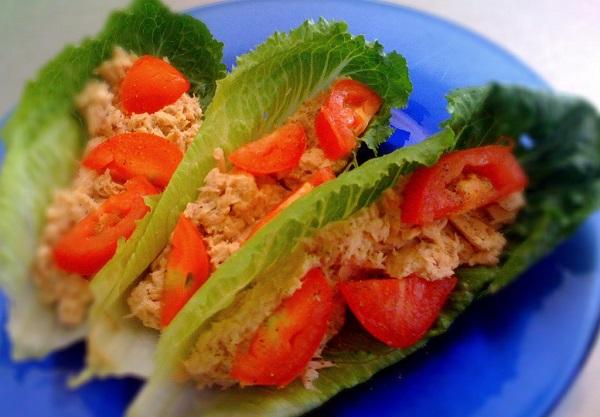Ensalada de endibia con atún y tomate