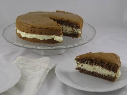Tarta de chocolate y nata a la vainilla