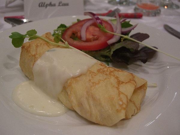 Crepe de jam n cocido con salsa camembert men diario - Salsa para bogavante cocido ...