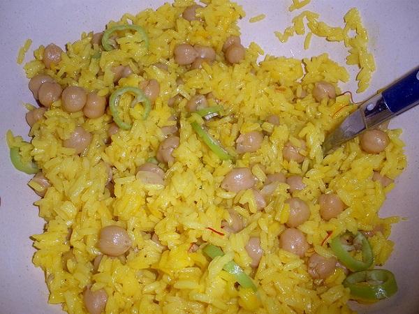 Salteado picante de arroz y garbanzos