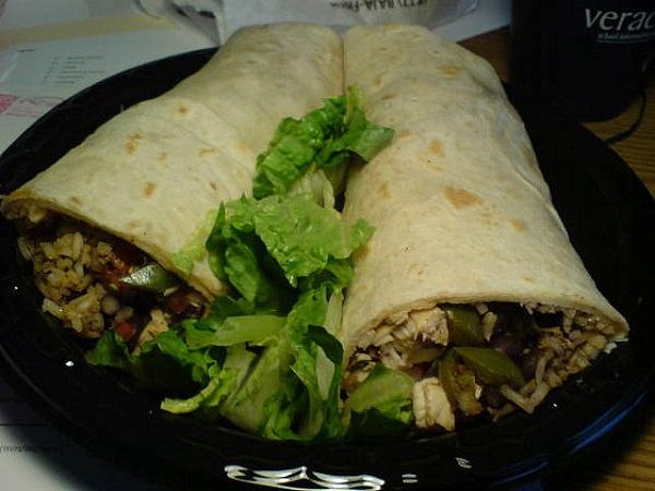 Burrito de arroz y pollo
