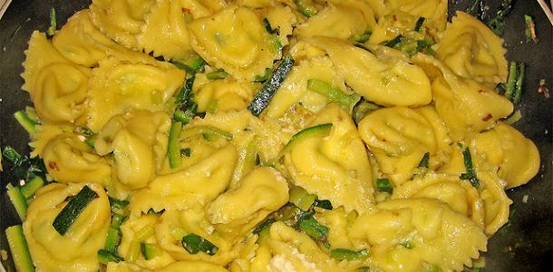 Tortellini con calabacín