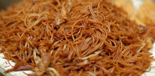 Fideos chinos con carne picada de pavo