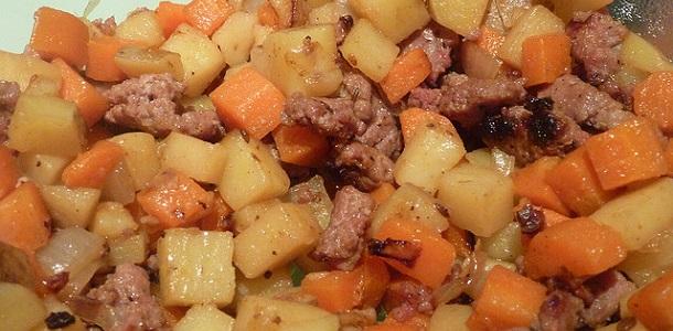 Ensalada de salchichas y patatas
