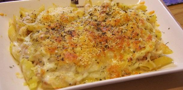Macarrones gratinados con queso azul