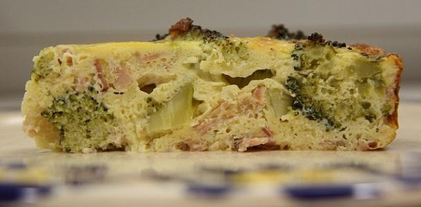 Tortilla de brócoli y bacón