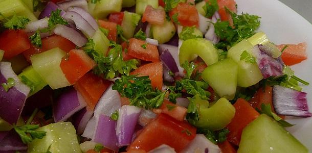 Ensalada de tomate y apio