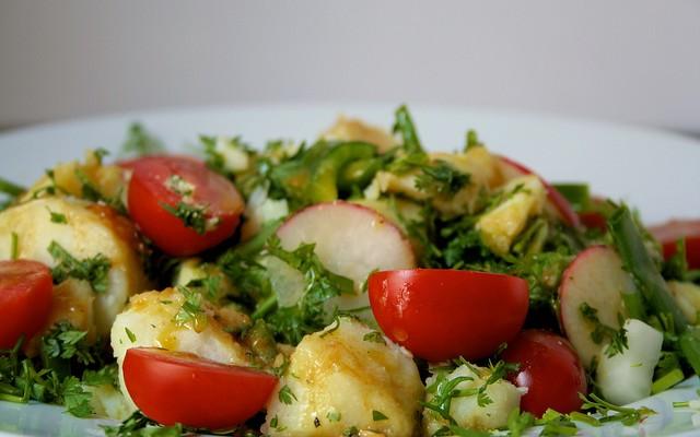 Ensalada de patatas y rábanos