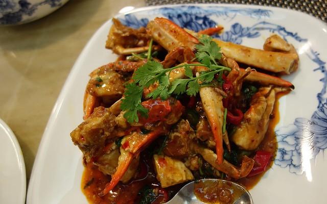 Cangrejo con salteado de verduras picante