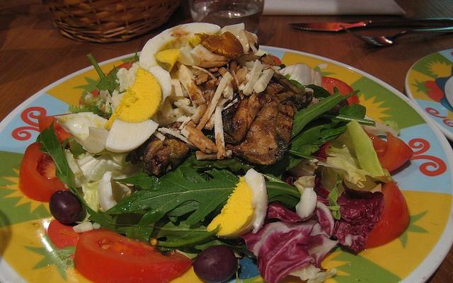 Ensalada de rúcula y pollo asado