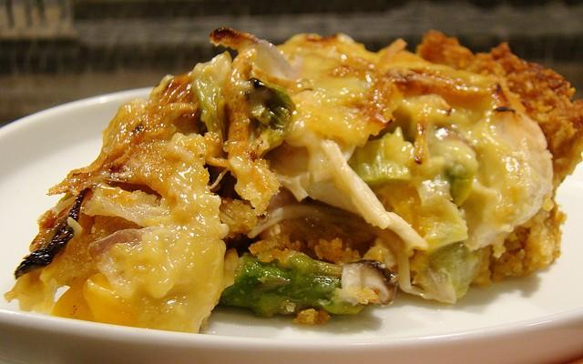 Tortilla de cebolla y pimiento verde