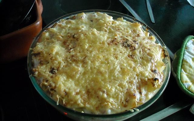 Pasta gratinada con champiñones